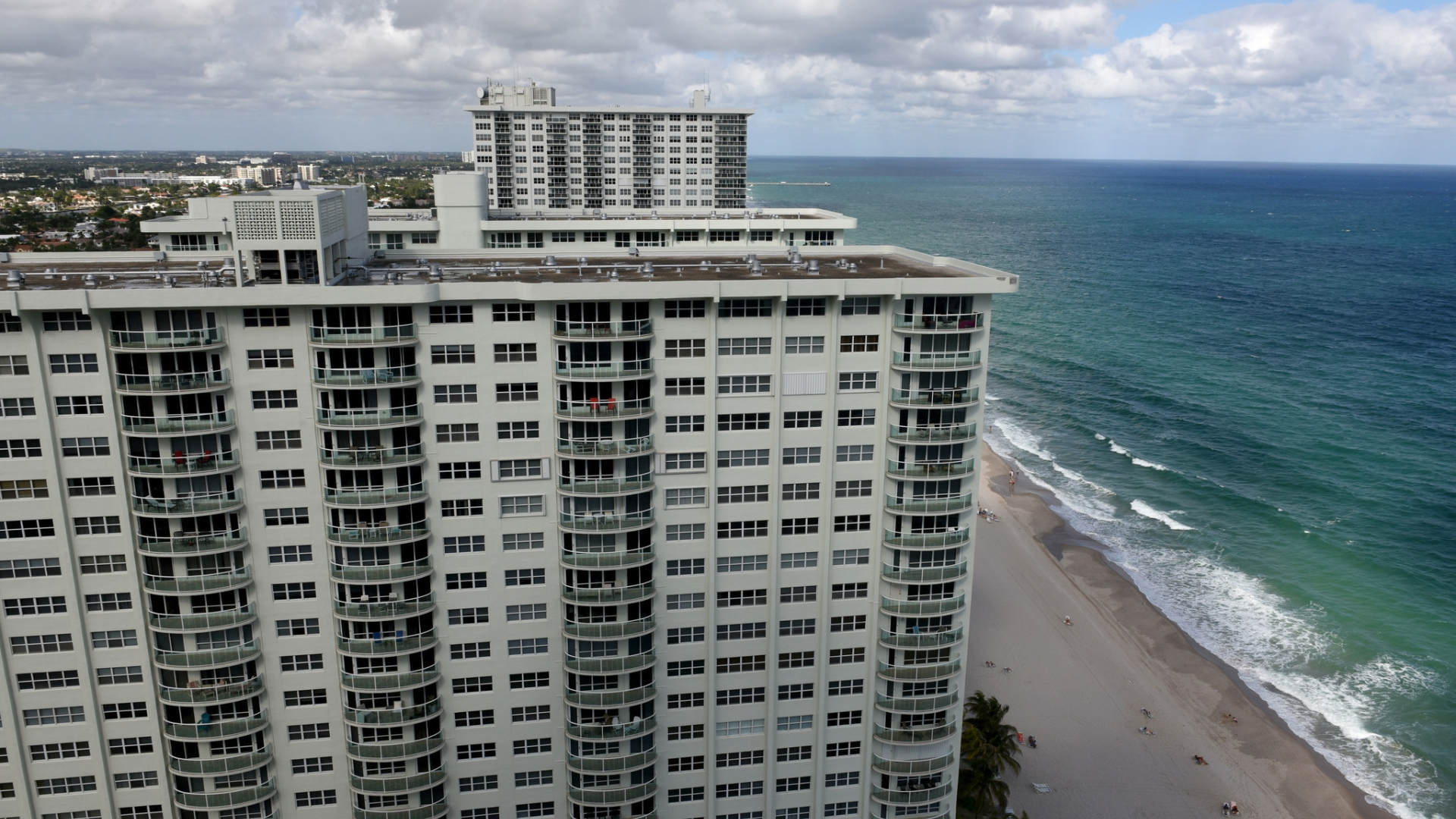Experts' outlook for 2017: S  Florida home prices to inch