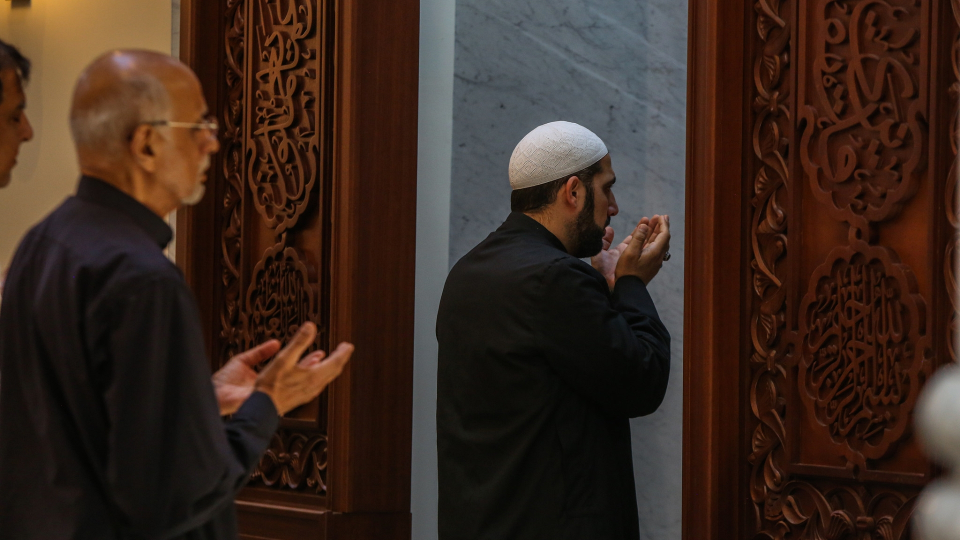 New mosque highlights growth of Muslim community in Central