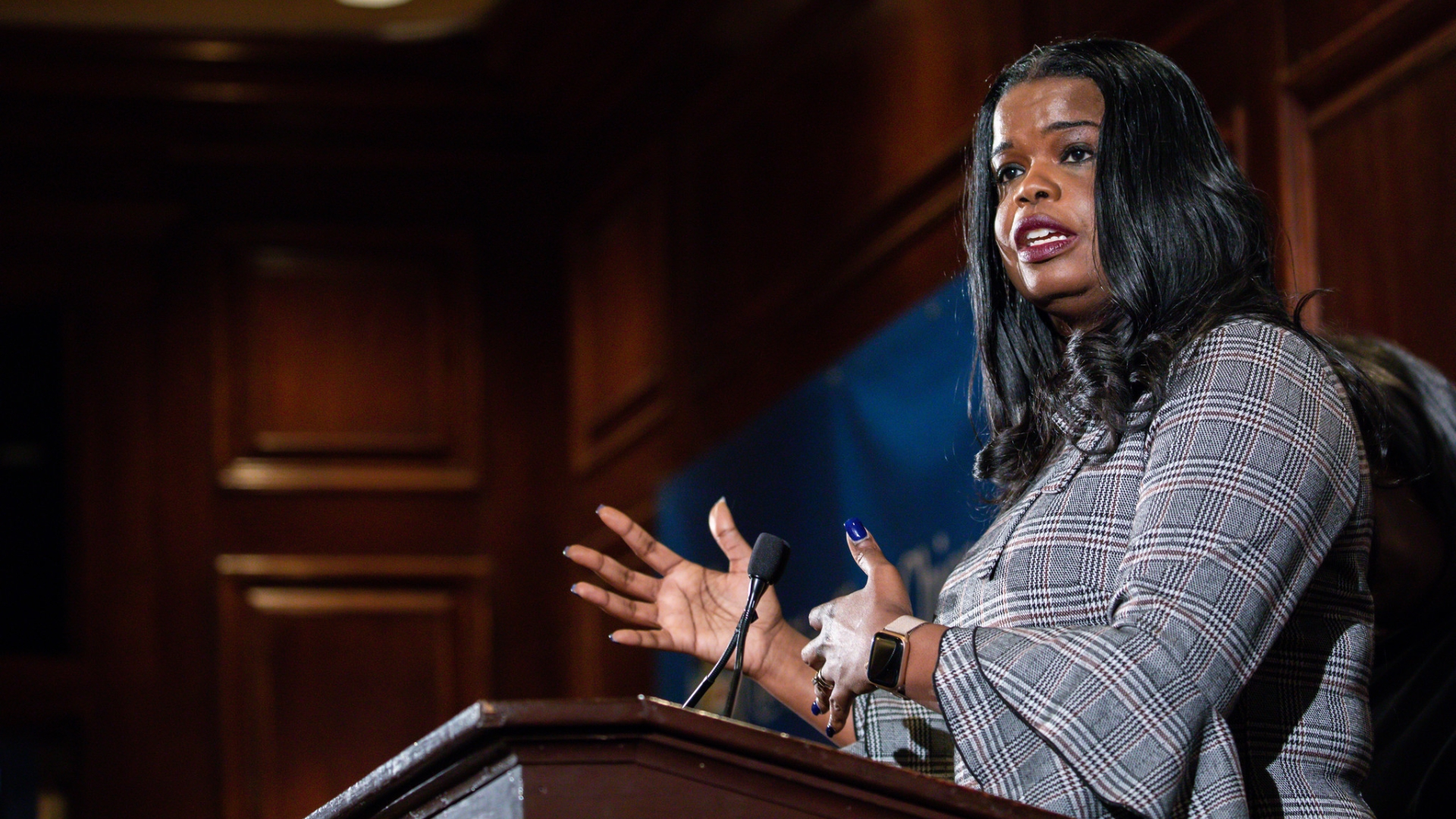 State's Attorney Kim Foxx announces support for legalizing pot