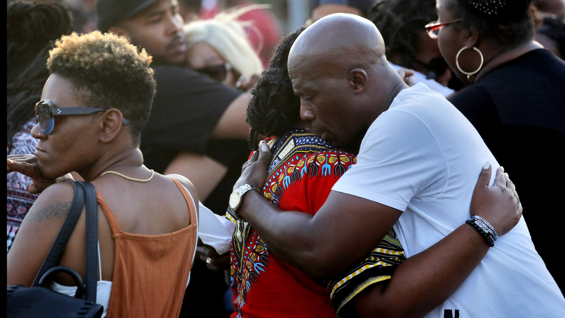 2 teenagers shot, killed at Newport News apartment complex