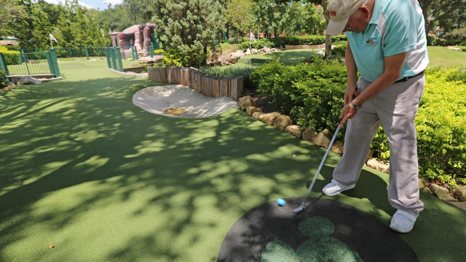 Lakeland Man Plays Walt Disney World Mini Golf Course 564 Times Orlando Sentinel