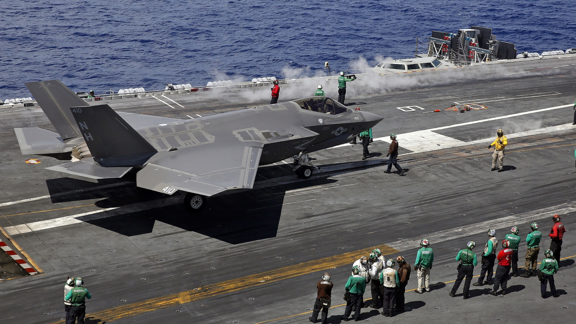 Navy says new stealth jet looks at home on carrier - Daily Press