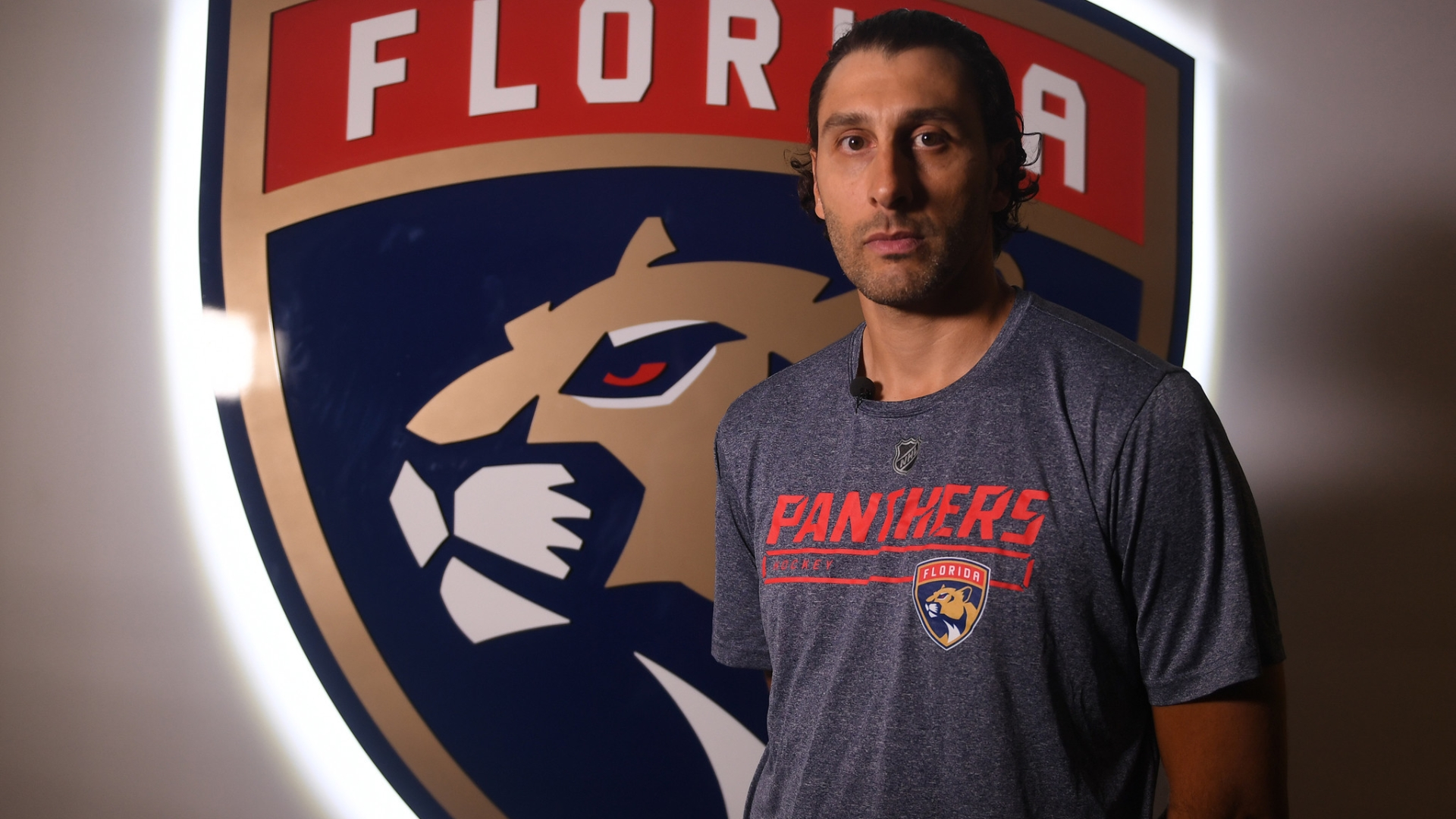 In His 19th Nhl Season Panthers Goalie Roberto Luongo Still Hungry