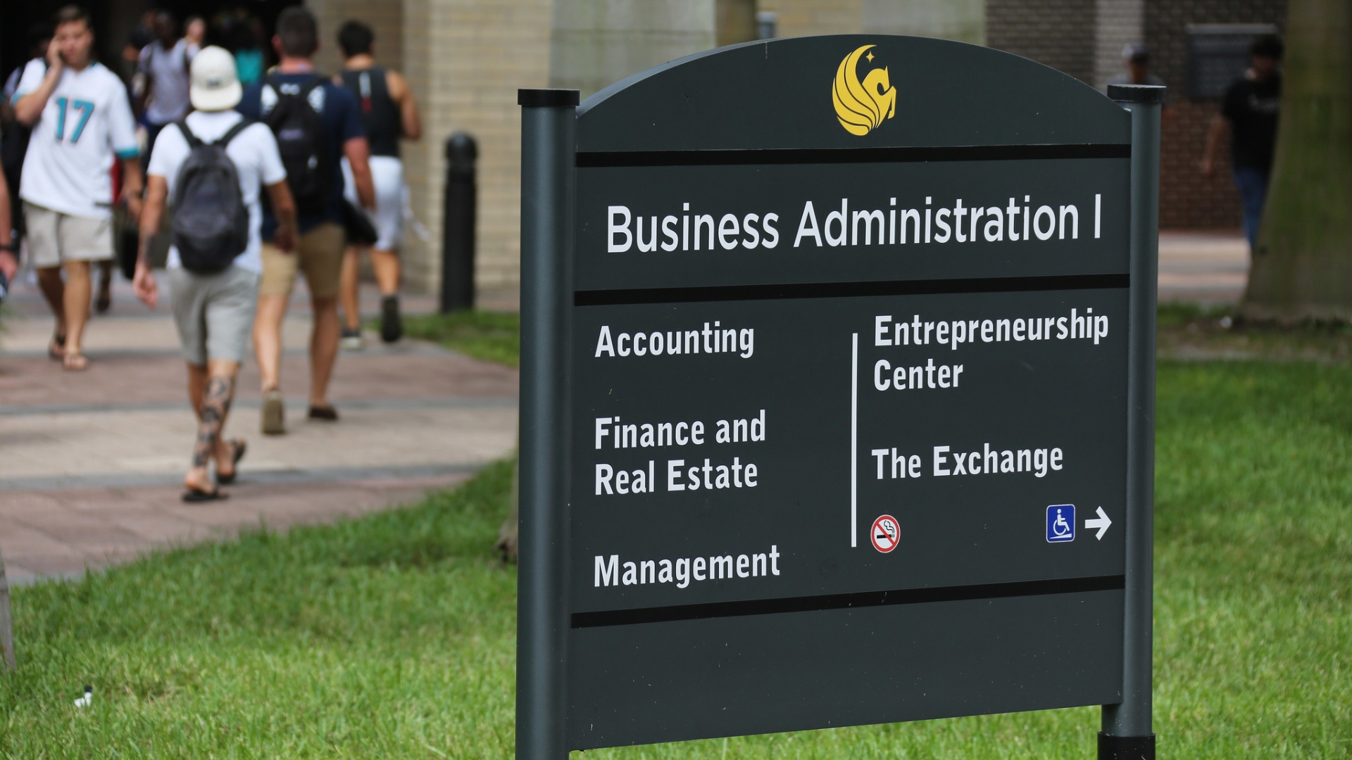 Ucf College Of Business >> Ucf College Of Business Students Complain About Reduced