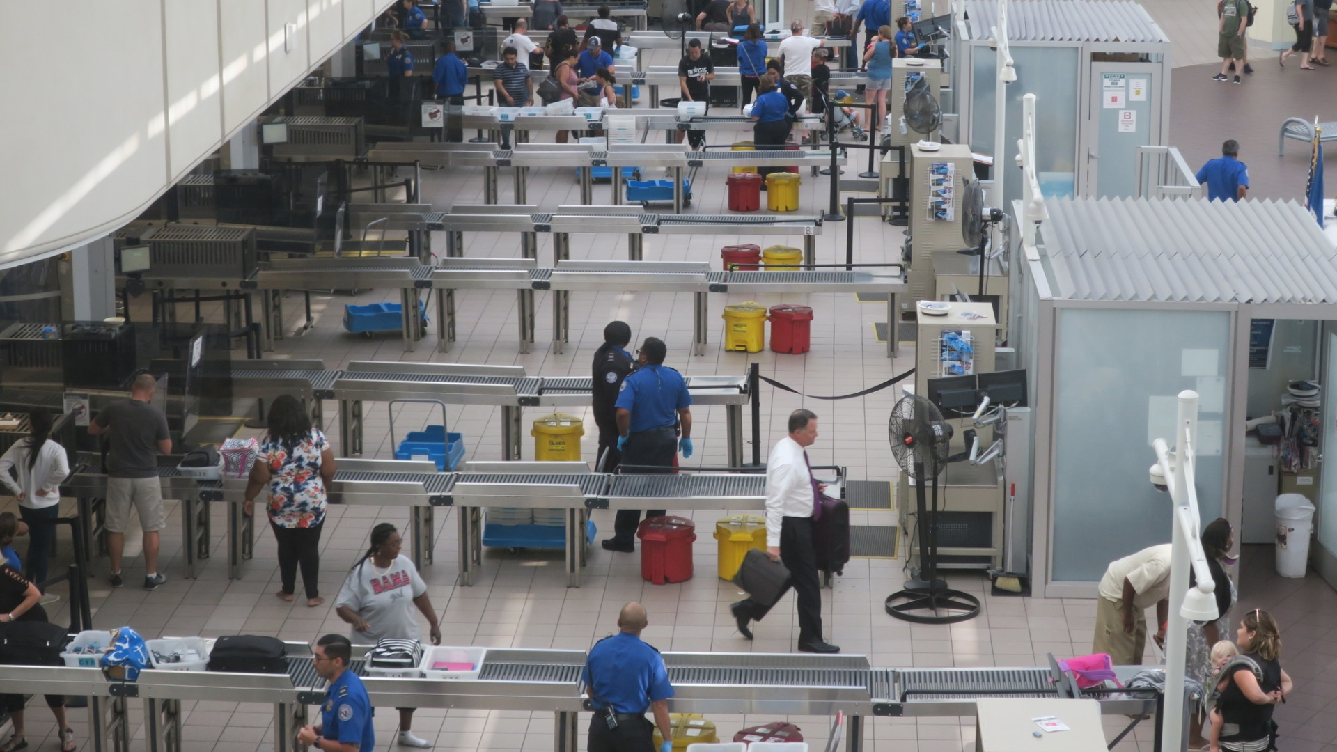 Orlando airport cash seizure: Feds seek to keep $129K they
