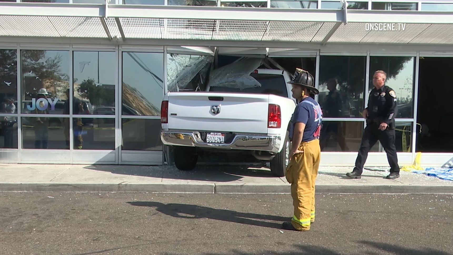 3 people hurt when pickup crashes into bank in Chula Vista